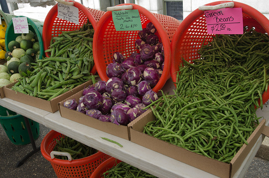 Some North Dakota farmers markets offer tips for how to cook fresh produce. (Lance Cheung/U.S. Dept. of Agriculture)