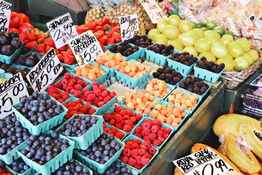 Fresh berries might be a luxury on a senior's fixed income. Maine has the 12th highest senior food insecurity rate in the nation. (Madison Inouye/Pexels)