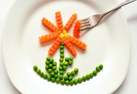 Plant-based diets generate lower greenhouse gas emissions than animal-based diets. (Pixabay)