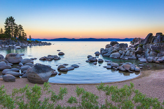 Lake Tahoe is known for its clear water, but climate change is contributing to algae blooms. (Trevor Bexon/Flickr)