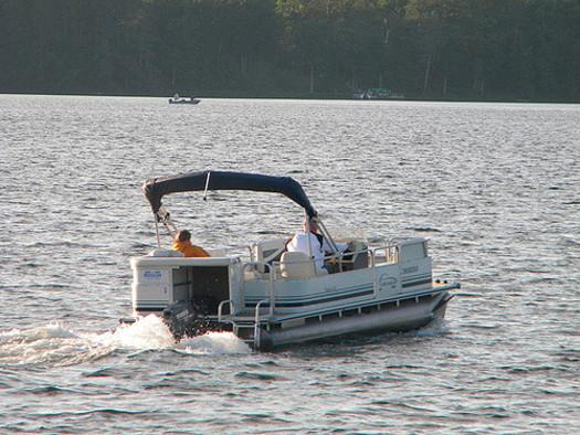 Experts urge caution around the backs of pontoon boats, especially those parked close together. (ttarasiuk/flickr)