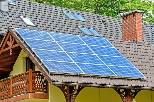 Florida utilities are expanding their solar inventory as they meet goals for lowering emissions. (Pixabay)