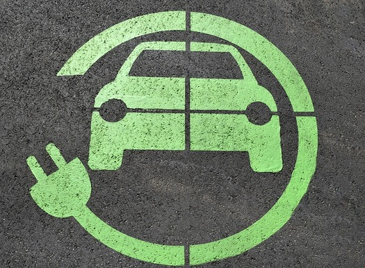 Cuyahoga County plans to purchase five electric vehicles for the community's fleet in 2019. (Pixabay)