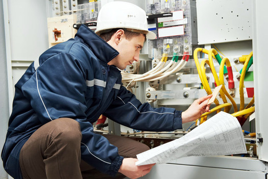 Energy efficiency inspections can save ratepayers hundreds of dollars a year on their electric bills. (Kossens/WikimediaCommons)
