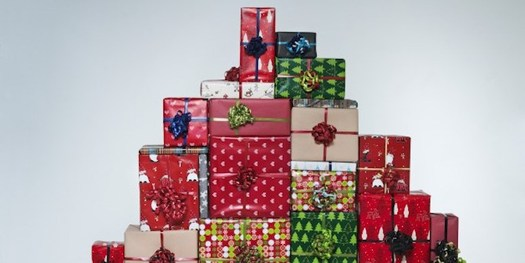 When ordering online presents this holiday season, don't get scammed by thinking amazon-shop.com is the same as amazon.com. (cyber.aspida.org)