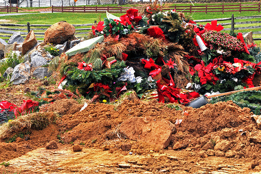 """25 percent more trash is generated during the """"most wonderful time of the year."""" (Taber Amber Bain/Flickr)"""