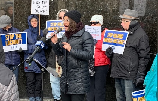 Workers rallied outside Sen. Pat Toomey's Pittsburgh office calling for an end to the government shutdown. (32BJ SEIU)