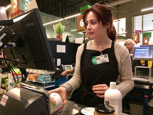 Some policy experts say some Ohio's minimum wage earners struggle to cover the cost of living. (@opkirilka/Twenty20)