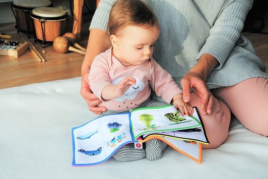 Just 29 percent of parents in Wyoming read to their babies every day, compared with the national average of 38.2 percent. (Pixabay)