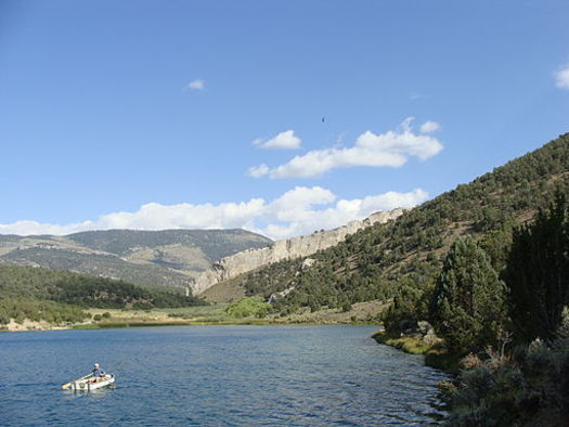 Cave Lake State Park is among dozens of outdoor recreation spots in Nevada that have benefited from the Land and Water Conservation Fund. (N. Walters/Wikimedia Commons)