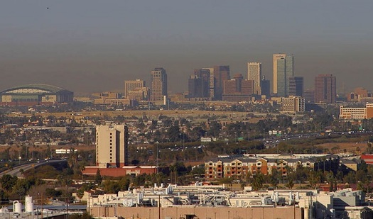 Fine-particulate pollution mixes with smog to blanket downtown Phoenix in haze during a recent winter air inversion. (Wikimedia Commons)
