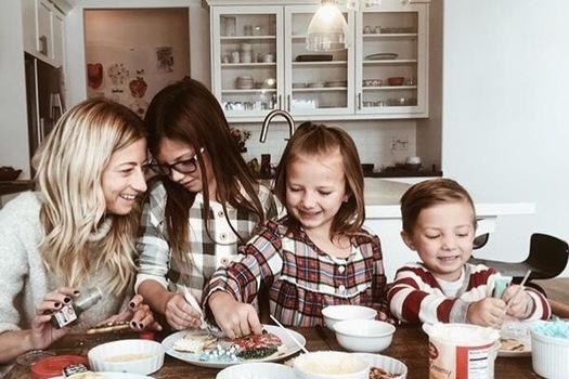 Child welfare experts say family placement is the best option for kids who must be removed from their parents' care. (amymarie.carpenter/Twenty20)