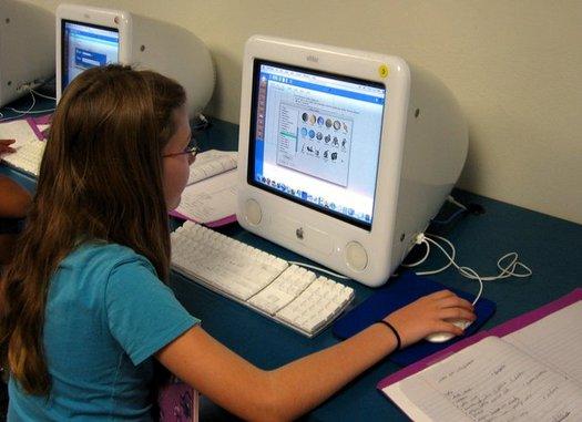 Nationwide, almost 300,000 students grades K through 12 attend school entirely online. (Jdurham/Morguefile)