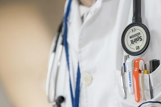 Oregon tiene un singular sistema de participación pública en su programa Medicaid, a través de consejos consultivos comunitarios.