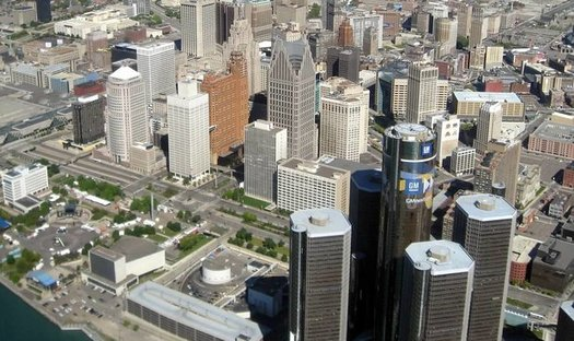 Detroit recently adopted a climate action plan and is expected to improve its clean-energy ranking by next year. (Robert Thompson/Wikimedia Commons)