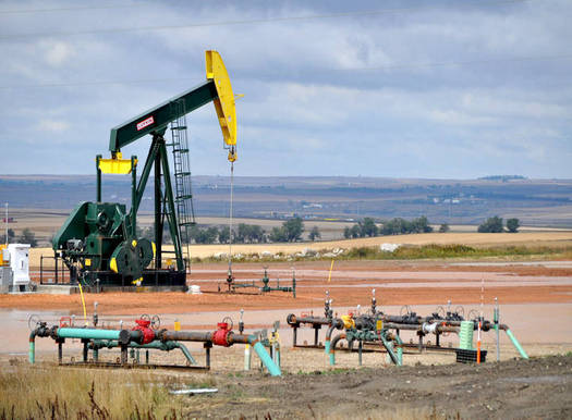 North Dakota is the number two crude oil producer in the nation, which new analysis says contributed to the loss of 2.4 million acres of natural landscapes in the state from 2011 to 2017. (porchlife/Flickr)