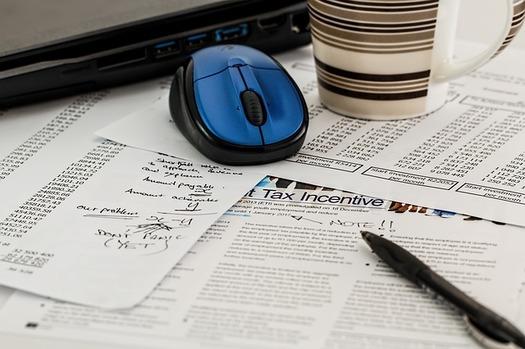 AARP volunteers helped 45,000 Oregonians with their taxes earlier this year. (stevepb/Pixabay)