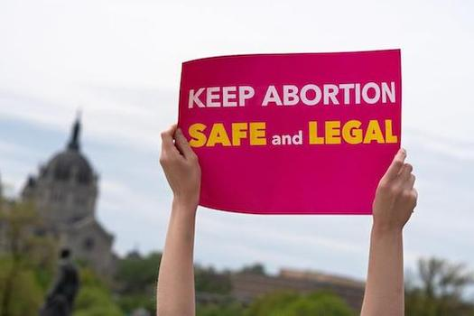 Abortion-rights supporters in Minnesota say state lawmakers have proposed 400 new laws to restrict abortion access, despite a 1995 state Supreme Court decision that affirmed an expansive right to abortion. (LorieShaull/jaw.org)