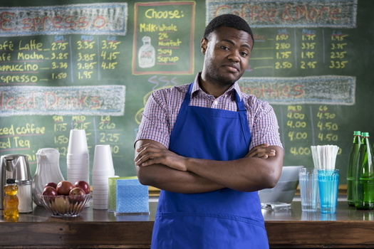 Groups that support raising Virginia's minimum wage say the state's economic boom has not trickled down to workers. (Adobe stock)