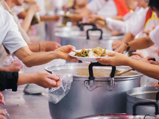 Oregon Food Bank distributes food to 1,400 food pantries, meal sites, after-school programs and senior centers. (kuarmungadd/Adobe Stock)