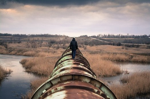 "If passed, the newest version of South Dakota's ""riot-boosting"" law could scare off Keystone XL pipeline protesters due to legal ramifications. (Free-Photos/9091 images/Pixabay)"