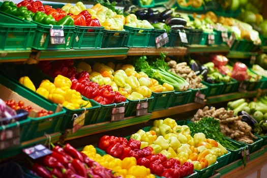 When you shop for groceries, do you know where to look in the store to find out about product recalls? A new report says most supermarkets do a poor job of sharing this information. (shock/Adobe Stock)