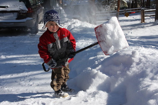 Wyoming residents are helping neighbors most at risk for COVID-10 by delivering groceries and shoveling springtime snow. (Oddharmonic/Flickr)