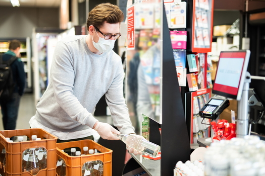 The United Food and Commercial Workers union says it's crucial that all supermarket workers are able to be tested for the new coronavirus. (Adobe Stock)