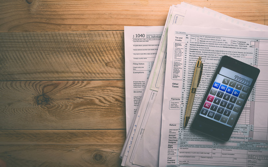 Tax experts say people who rush to file their taxes at the last minute run the risk of making a mistake and having their return rejected. (Adobe Stock)