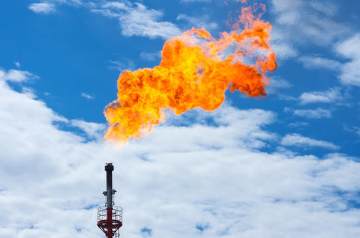 Studies show 9.3 million Americans live within a half mile of an oil or gas well, and are exposed to the air pollution it generates.(Leonid Ikan/Adobestock)