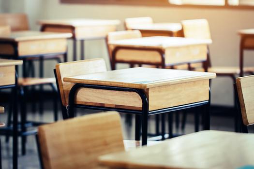 """El índice de pobreza entre los desertores de """"high school"""" es el doble que el de los graduados, y tienen ocho veces más posibilidades de caer en prisión. (Adobe Stock)"""