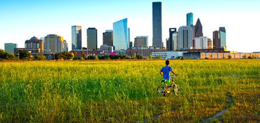 A lack of zoning in places such as Houston often means the most vulnerable people are in the path of harmful pollution. (EDAF)