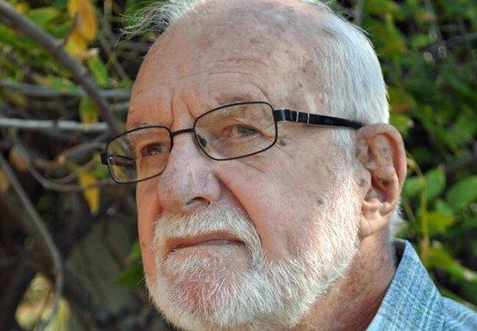 Stuart Harvey, de 85 años, ha pasado décadas como voluntario y es miembro fundador de una clínica médica gratuita sin fines de lucro en El Cajón. (Foto cortesía de Harvey)