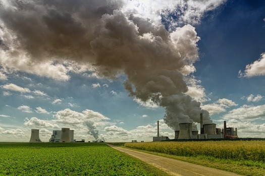 Nebraska ranks third nationally in industrial customers relying on electricity, largely generated by coal-fired power plants, mostly to power irrigation systems. (Jplenio/Pixabay)