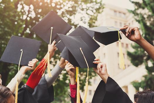 Diecinueve estados ofrecen un camino de graduación para preparar a los estudiantes de secundaria para sus carreras. (Prostock-studio/Adobe Stock)
