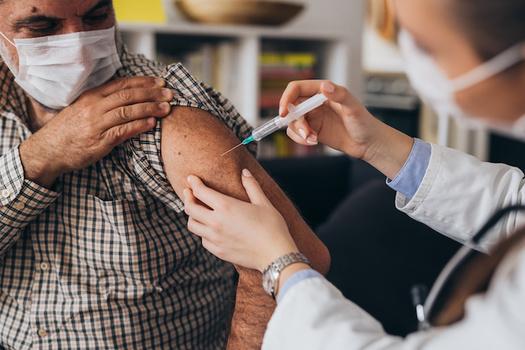 Más de 108.000 habitantes de Kentucky fueron vacunados durante la semana del 23 de marzo, según datos estatales. (Adobe Stock)