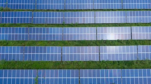 One megawatt of solar energy requires five to eight acres of land and provides enough power, on average, for 160 homes. (Photo: © Kelly Lacy, Courtesy The Nature Conservancy)