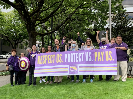 Janitors from SEIU Local 49 marched in the Portland area for Justice for Janitors Day. (SEIU Local 49)