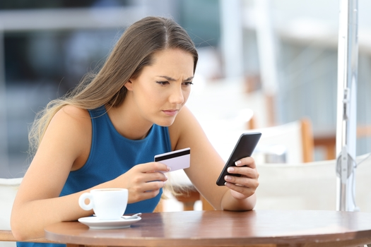 A new report warns consumers that payments using peer-to-peer apps such as Zelle or Venmo can cause you lose money if you don't set them up properly. (antonioguilliam/Adobe Stock)