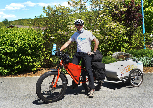 Senior champion Jeff Salter, age 50, says riding an e-bike illustrates that people can do more with a little assistance than they can alone. (Veronica Yankowski)