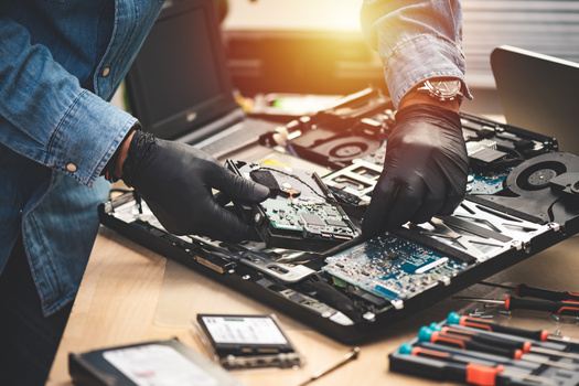 Of the Massachusetts users who consulted the website 'iFixit.com' last year, 23% of searches were for cellphone repair guides, and 17% were for laptops. (NorGal/Adobe Stock)