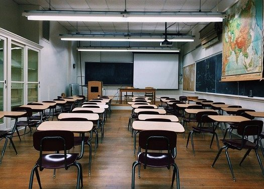 Some 500 volunteers made phone calls and canvassed neighborhoods in Broward County to find truant students. (Pixabay)