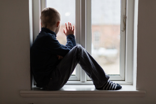 In addition to abuse and neglect, a new study says economically disadvantaged children have a risk of premature death that is 1.9 times higher than other socioeconomic groups. (Adobe Stock)
