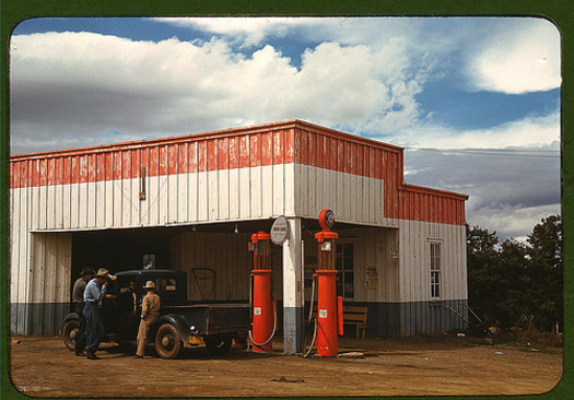 1930s gas pumps  Photo Credit: Library of Congress