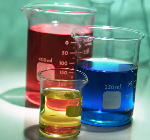 PHOTO: Chemicals in beakers