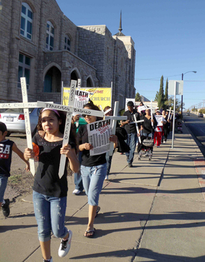 PHOTO: D�a de los Muertos march in El Paso honoring Mexicans who died trying to emigrate (November, 2011). Credit: Cristina Parker.