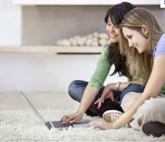 PHOTO: 30 percent of teen girls reported having offline meetings with people they met on the Internet.