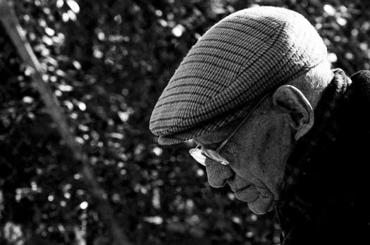 FOTO: hombre de la tercera edad.