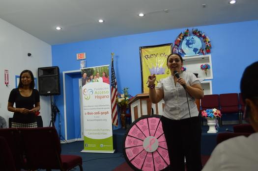 La Hispanic Access Foundation celebra talleres en el �rea de Miami para informar sobre la prevenci�n y la detecci�n oportuna de c�ncer de mama. El CDC reporta que el c�ncer de pecho es el que m�s decesos causa entre las mujeres hispanas en los EEUU. Foto cortes�a de HAF.