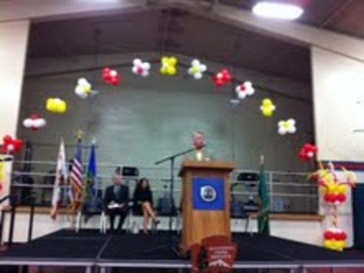 FOTO: El Director del National Park Service, Jonathan Jarvis, habla en el Latino Legacy Forum en Los Angeles, el jueves. El NPS recomienda establecer un nuevo parque nacional historico para honrar a Cesar Chavez y el Farm Labor Movement. (acentos omitidos intencionalmente)